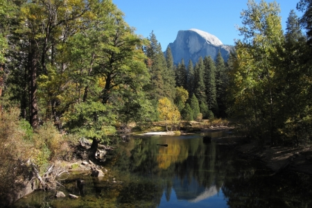 Picture of Half Dome and the Merced River.